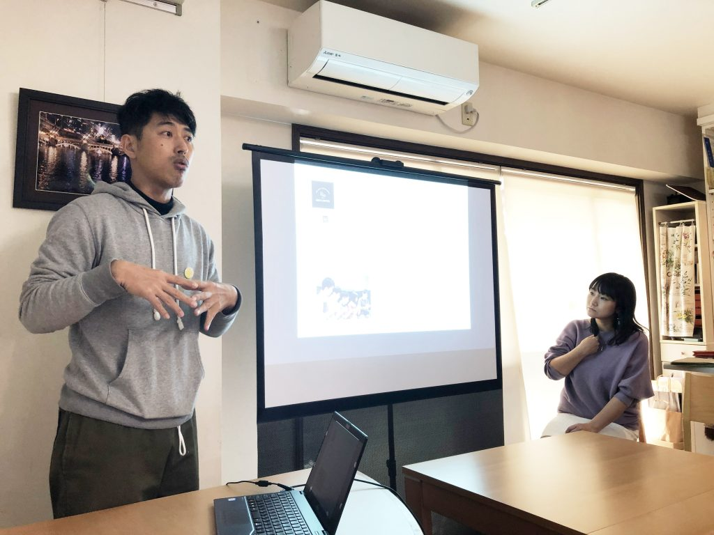 左がRIO COFFEE代表の八木さん(左)と「ママントレ」の須澤さん